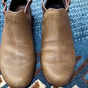 Shoes—Naot